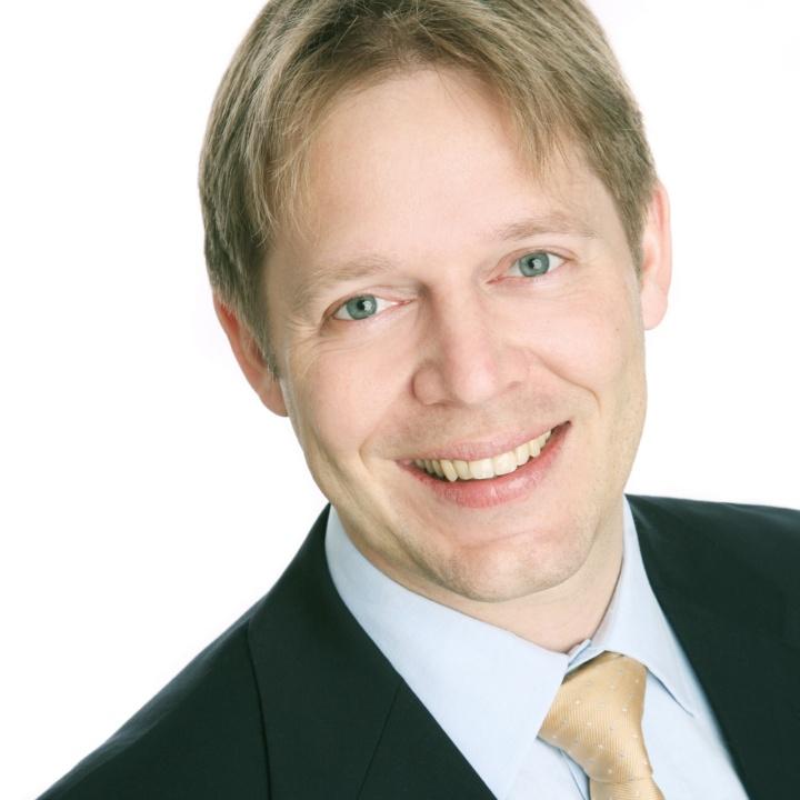 Prof. Dr.-Ing. Alexander Sauer (c)